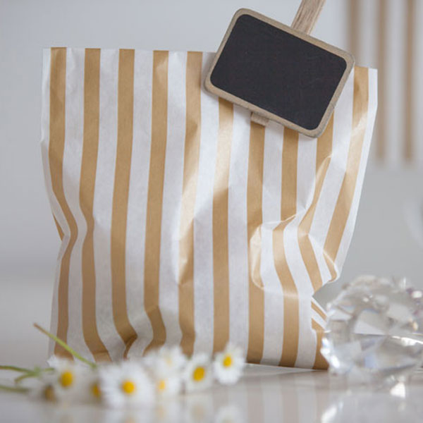 paper_party_bags_gold_stripe