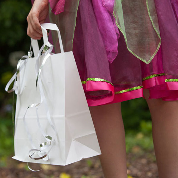 white_paper_bags